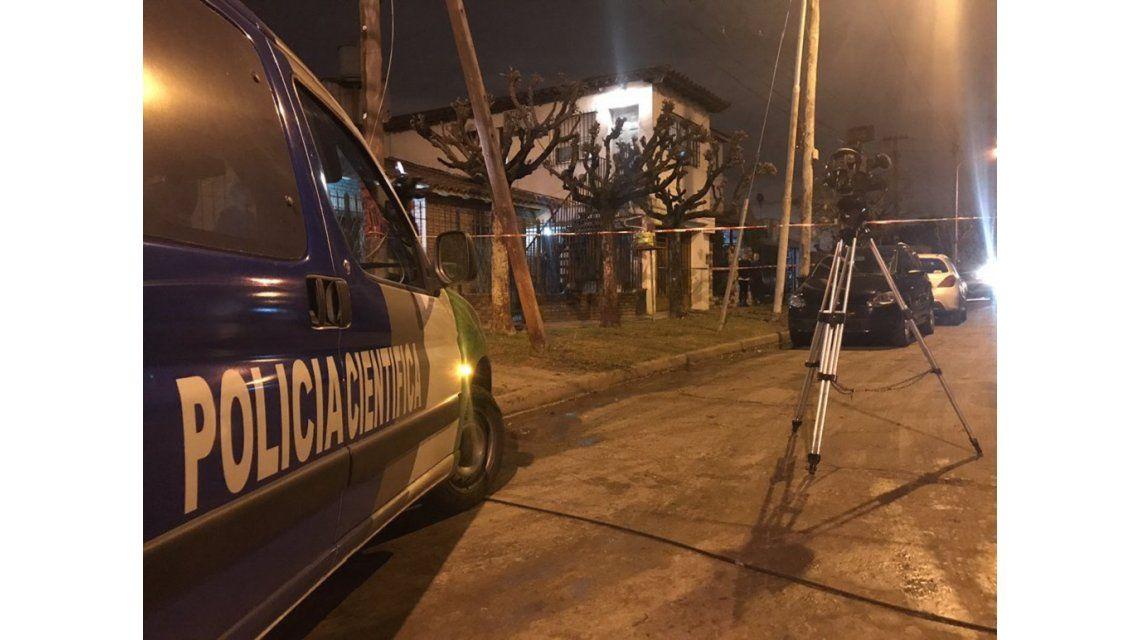 Policía Científca trabajando en el lugar del hecho