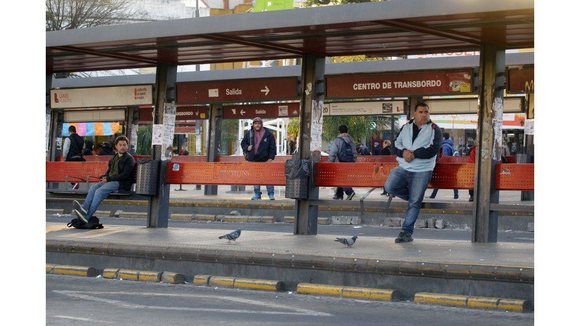 Por el paro de colectivos, el tren Roca extiende sus horarios
