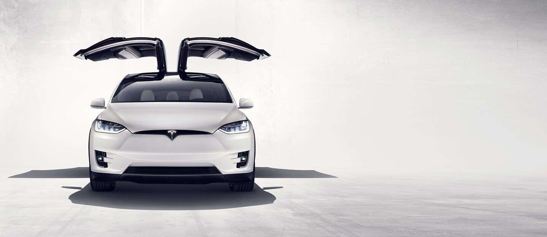 VIDEOS: por qué el Tesla model X es cinco estrellas
