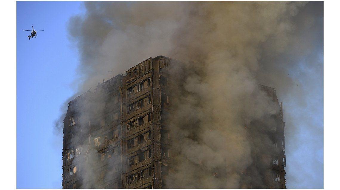 Al menos seis muertos por un incendio en un edificio en Londres