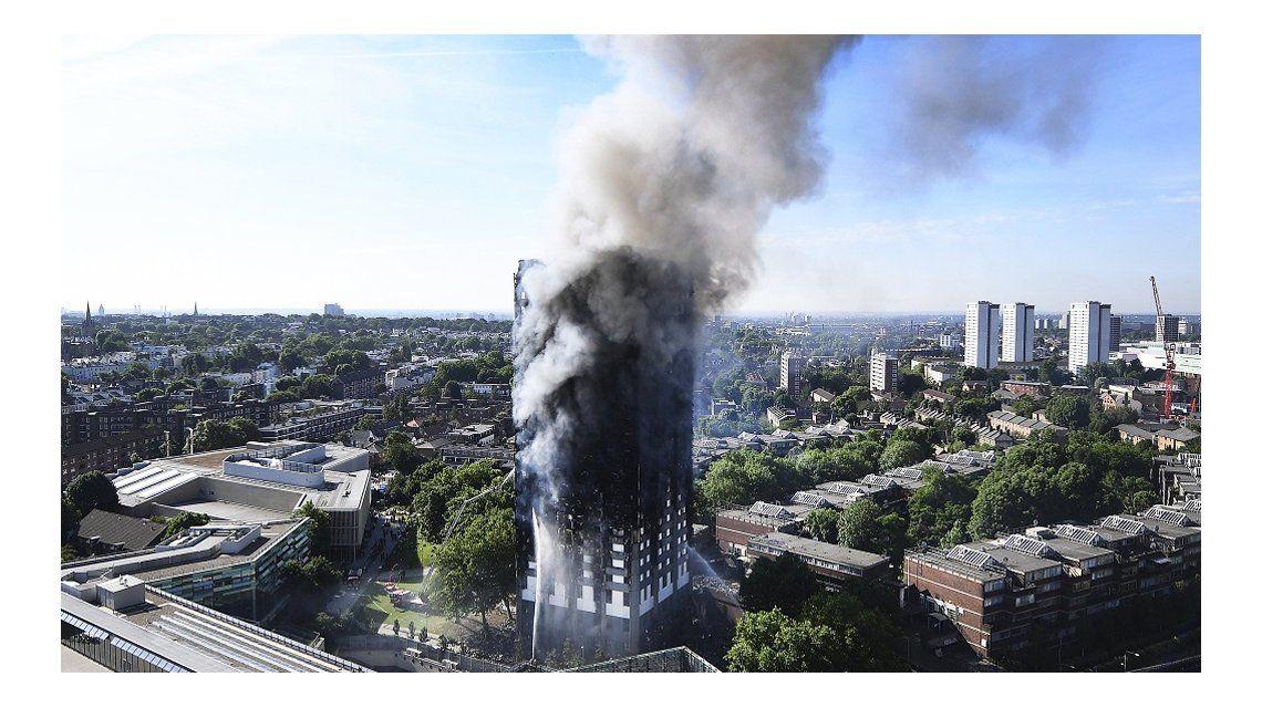Vecinos ya habían alertado por la falta de prevención en la torre incendiada en Londres