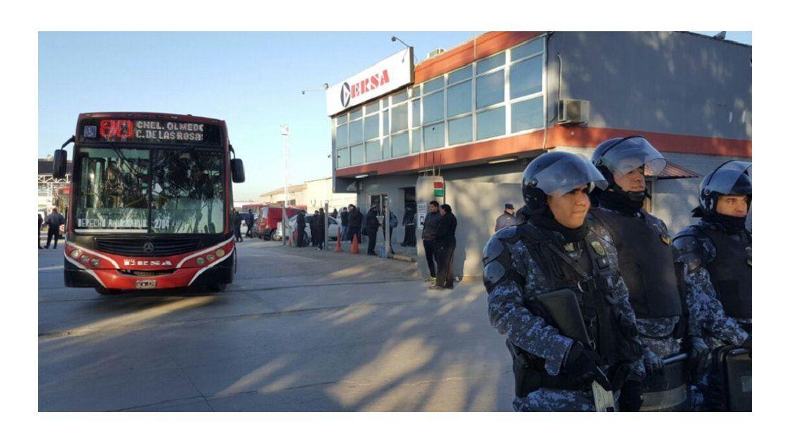 Córdoba: choferes levantaron el paro para negociar despidos