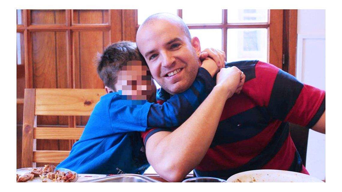 Federico Blanco con su hijo