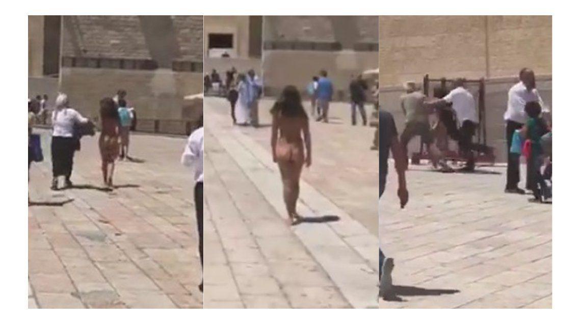 Una mujer de desnudó en el Muro de los Lamentos
