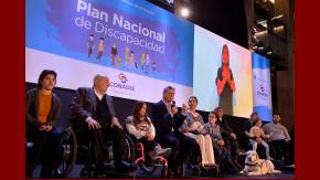 Con un decreto de Menem, Macri elimina las pensiones de discapacitados