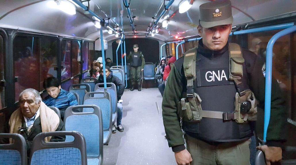Córdoba: apenas circula el 15% de los colectivos con custodia de la Gendarmería