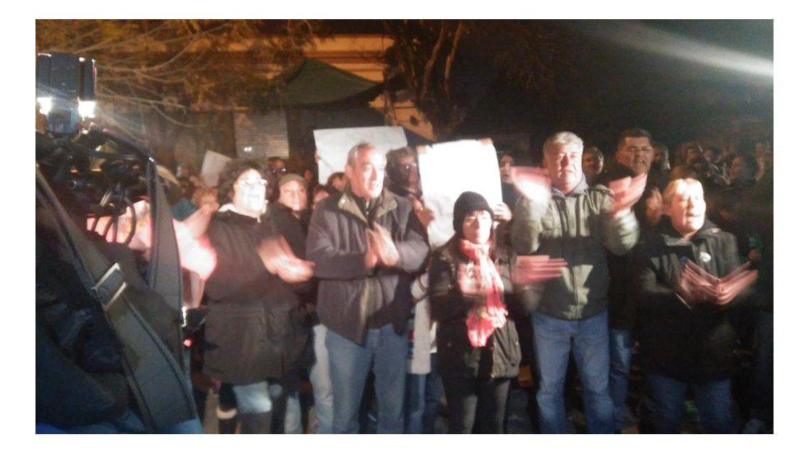 Protesta en Temperley por la pareja que murió secuestrada - Crédito: @DiarioConurbano