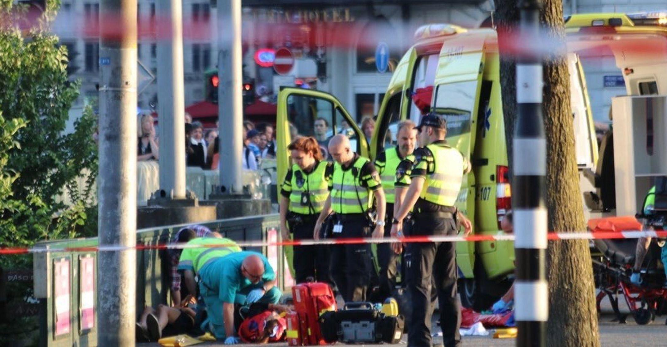 Un auto atropelló a cinco personas en Amsterdam