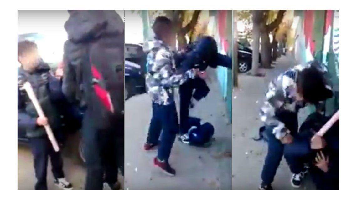 Así agredieron y golpearon a un compañero
