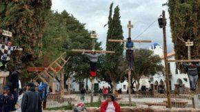 Crucifixión de un niño en Jujuy