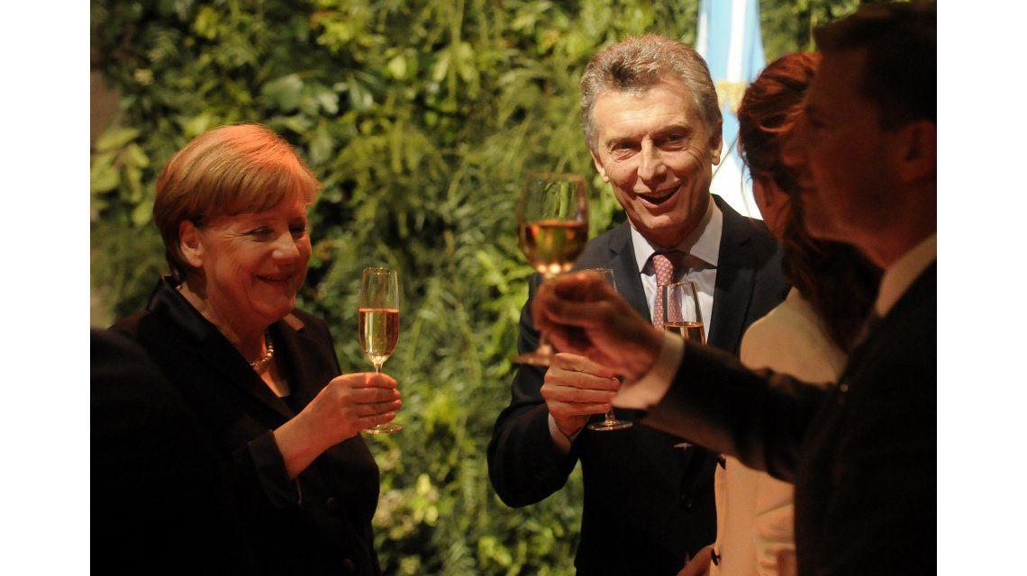 Merkel y Macri en el brindis en el CCK