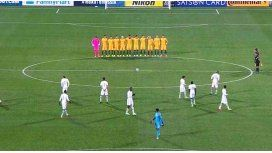 Los jugadores de Arabia Saudita no respetaron el minuto de silencio
