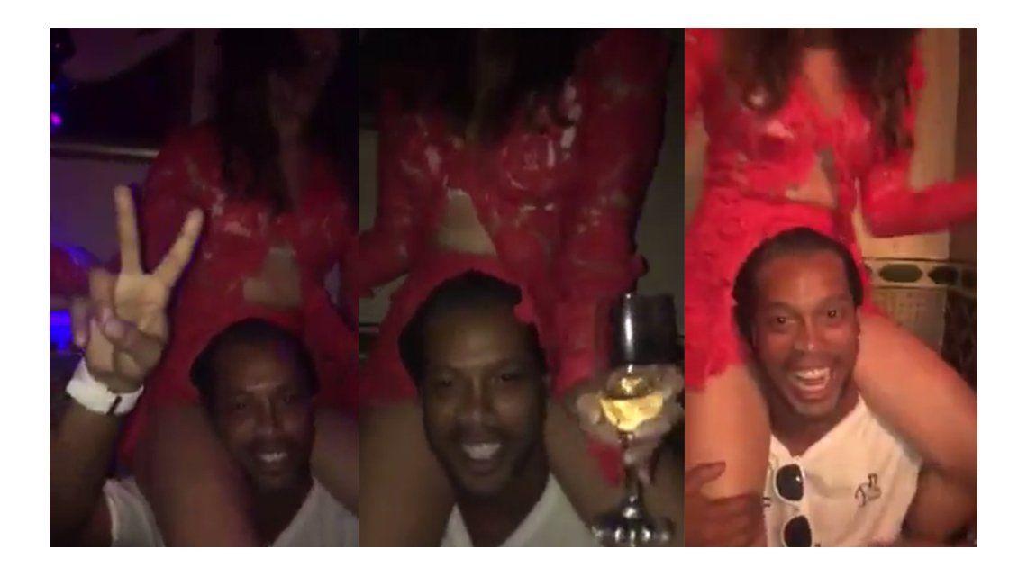 El video de Ronaldinho descontrolado en una fiesta