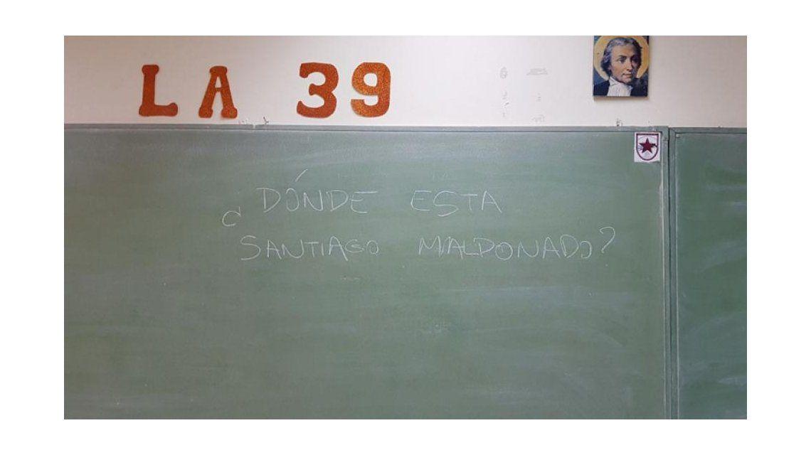 El pedido de la aparición con vida de Santiago Maldonado se filtró en las PASO