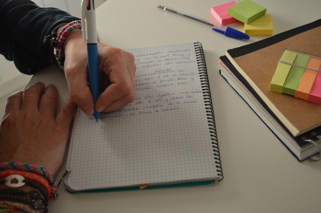 Una de cada 10 personas usa la mano izquierda para escribir