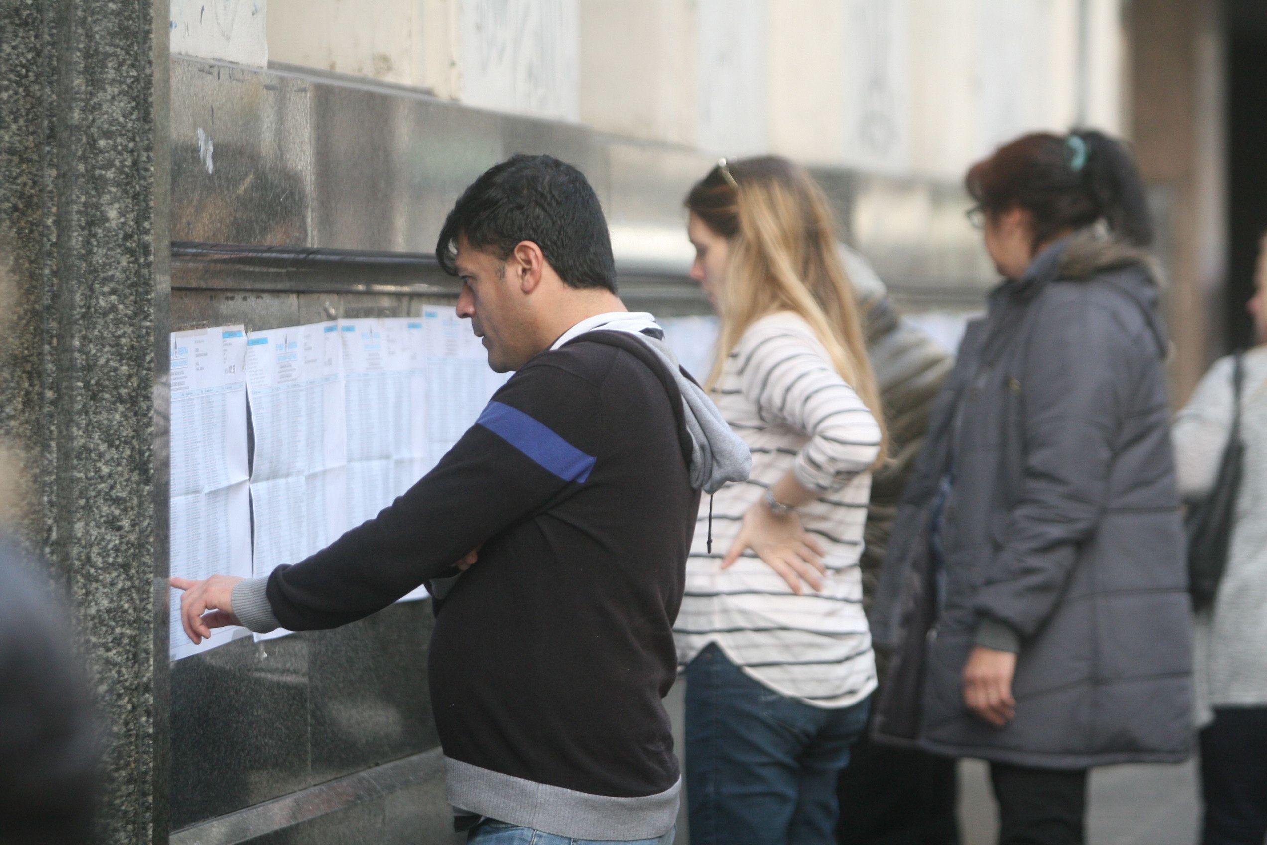 Más de 50% de las mesas porteñas abrieron tarde para la votación