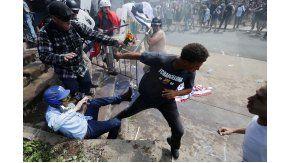 Incidentes, ataques y peleas antes de la marcha nacionalista en Virginia