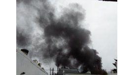 Voraz incendio en Luis Guillón