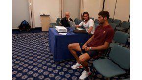 Fazio, de la Roma, presencia la exposición del cuerpo técnico de la Selección