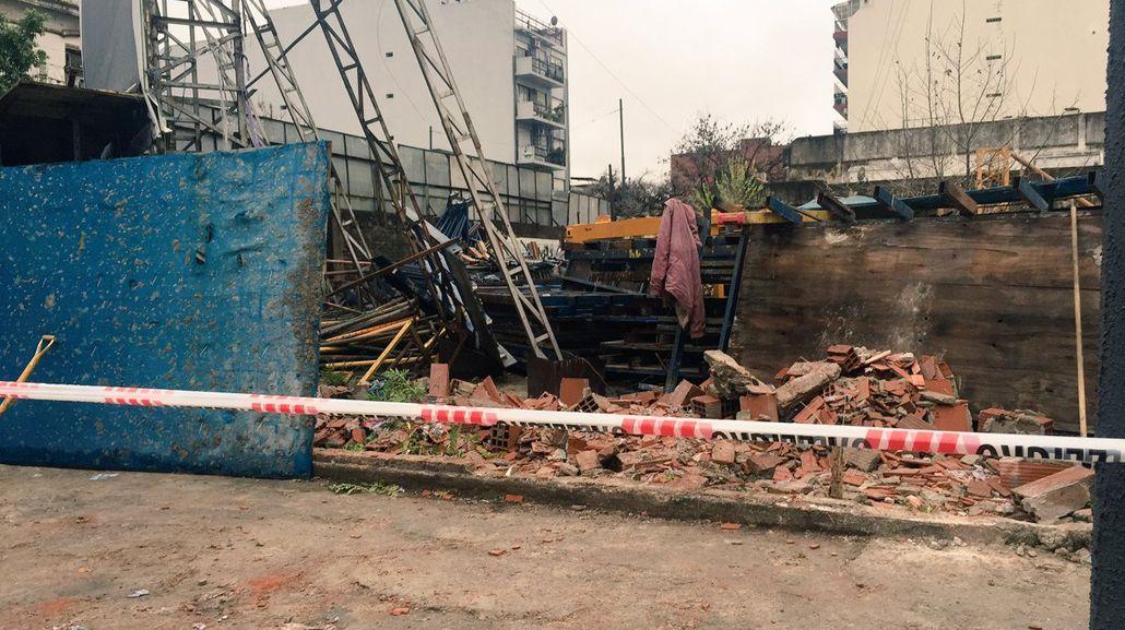 Derrumbe en Paternal por los fuertes vientos: no hay heridos