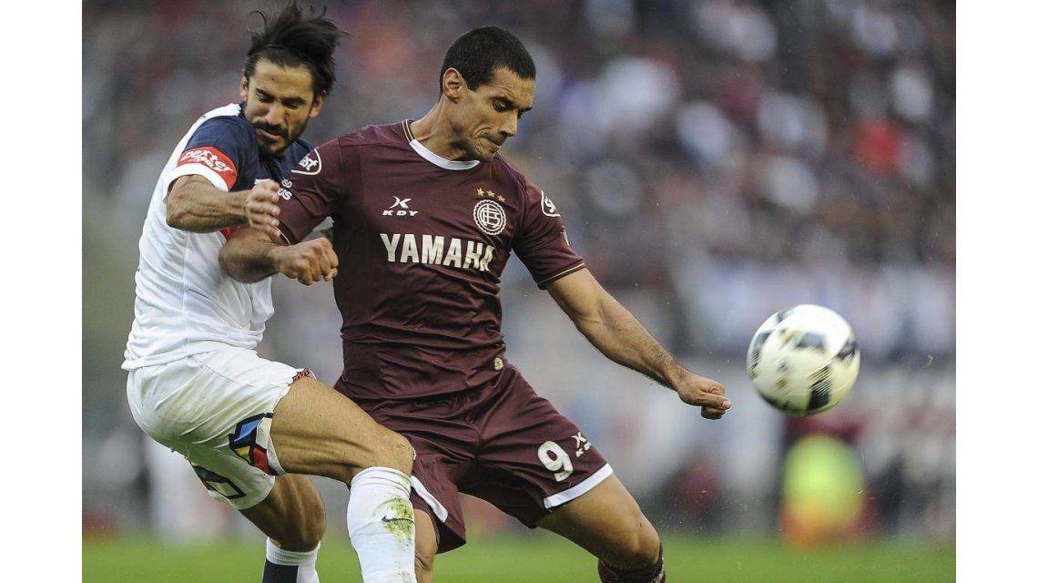 Marcos Angeleri (San Lorenzo) y el Pepe Sand (Lanús) en la final del Torneo de Primera División de 2016