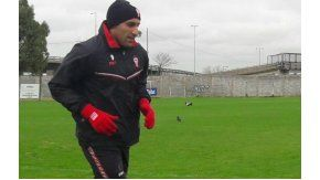 El delantero se sumó a las prácticas del flamante equipo de Gustavo Alfaro