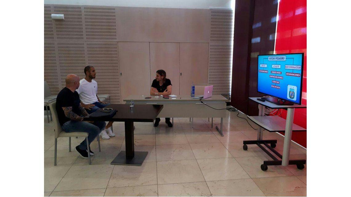 Sampaoli sigue tomando lista: ahora se reunió con Mercado y Pizarro