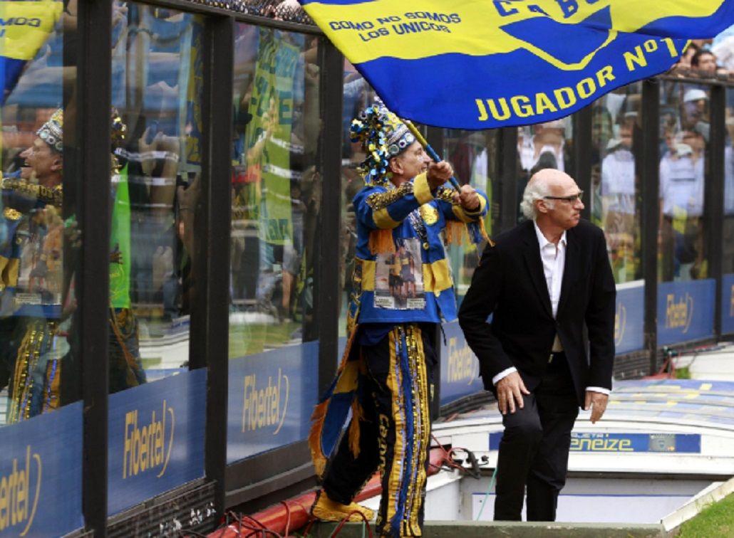 El Virrey entrando a La Bombonera en su última etapa como técnico
