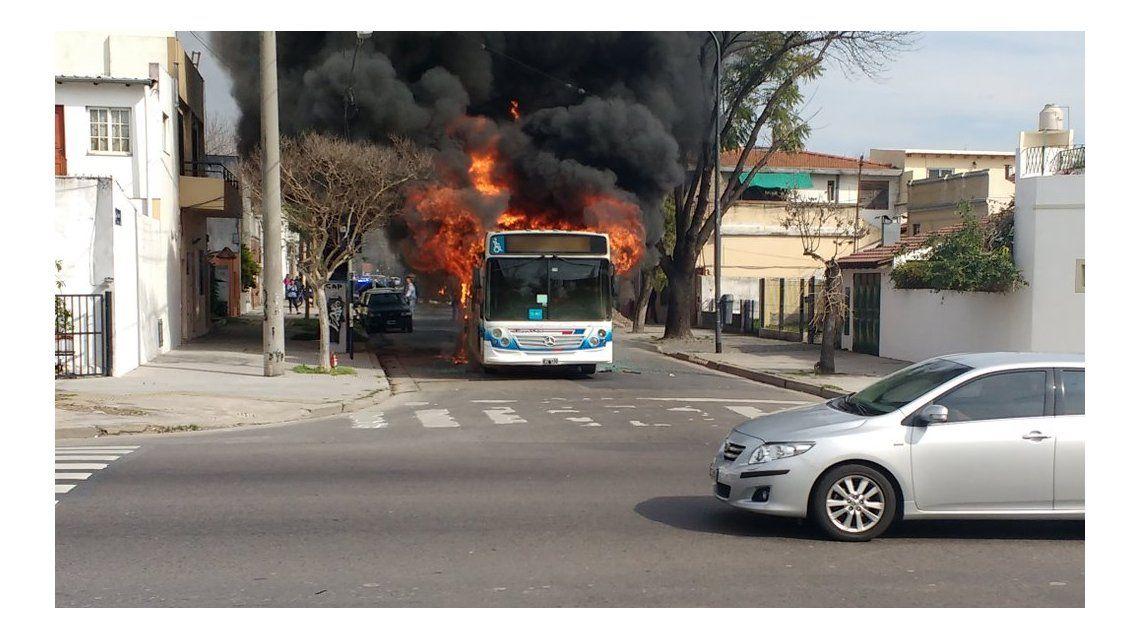 Se incendió otro colectivo: ahora