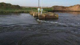 Un pueblo está a punto de quedar bajo el agua por una rotura intencional