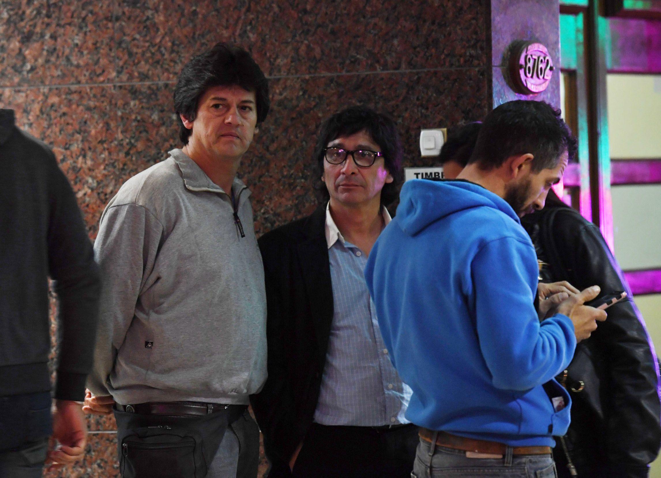 Adrián Benitez (primero desde la izquierda)