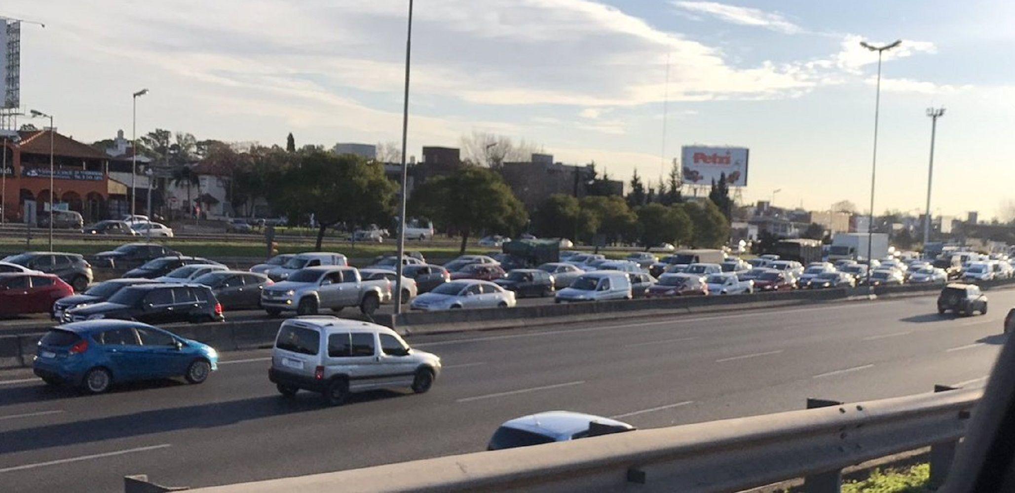 Caos en el tránsito: cortes y choques por la visita del vice de EE.UU.