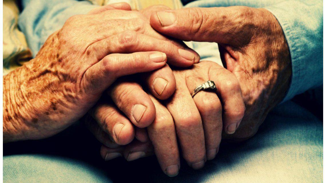 Resultado de imagen para parejas ancianitos