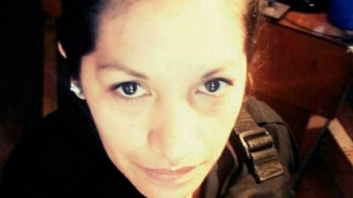 Murió la policía embarazada que se disparó en la cabeza en una comisaría de Mataderos