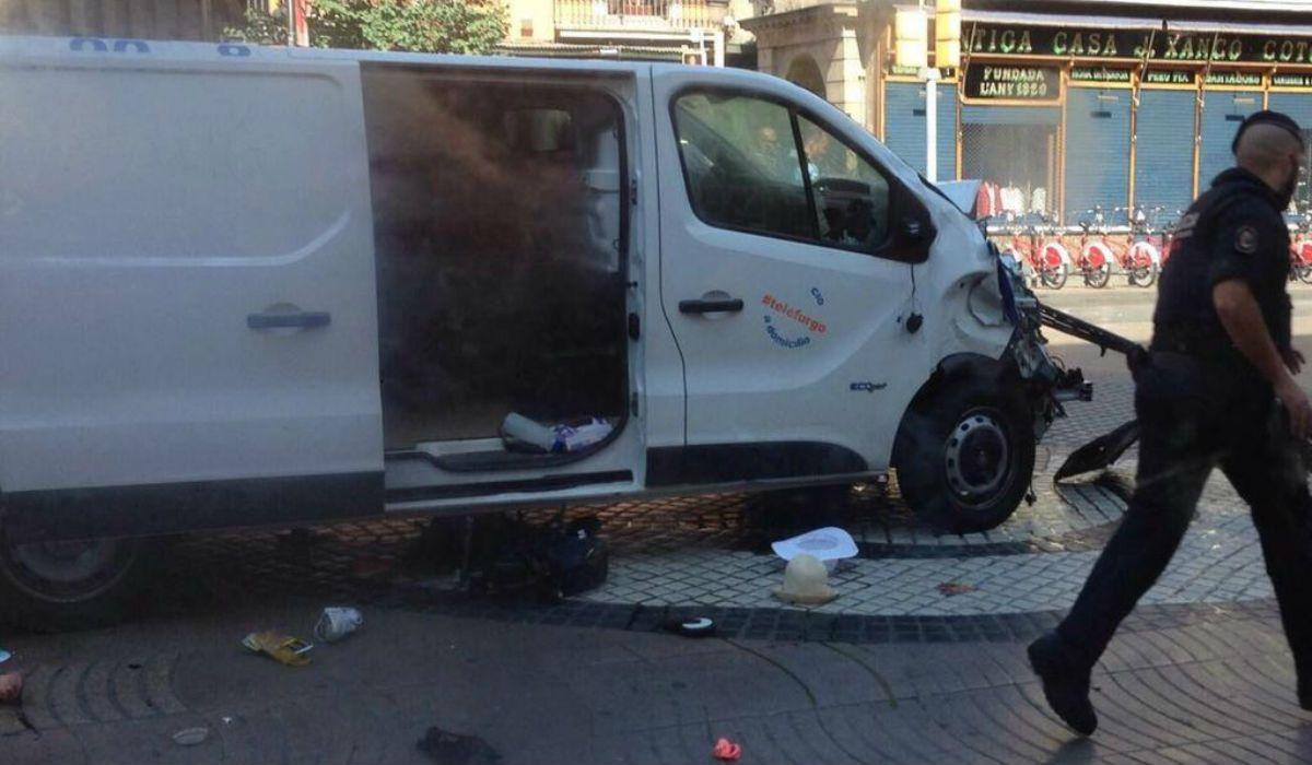 VIDEO: Ésta es la camioneta que protagonizó el atentado