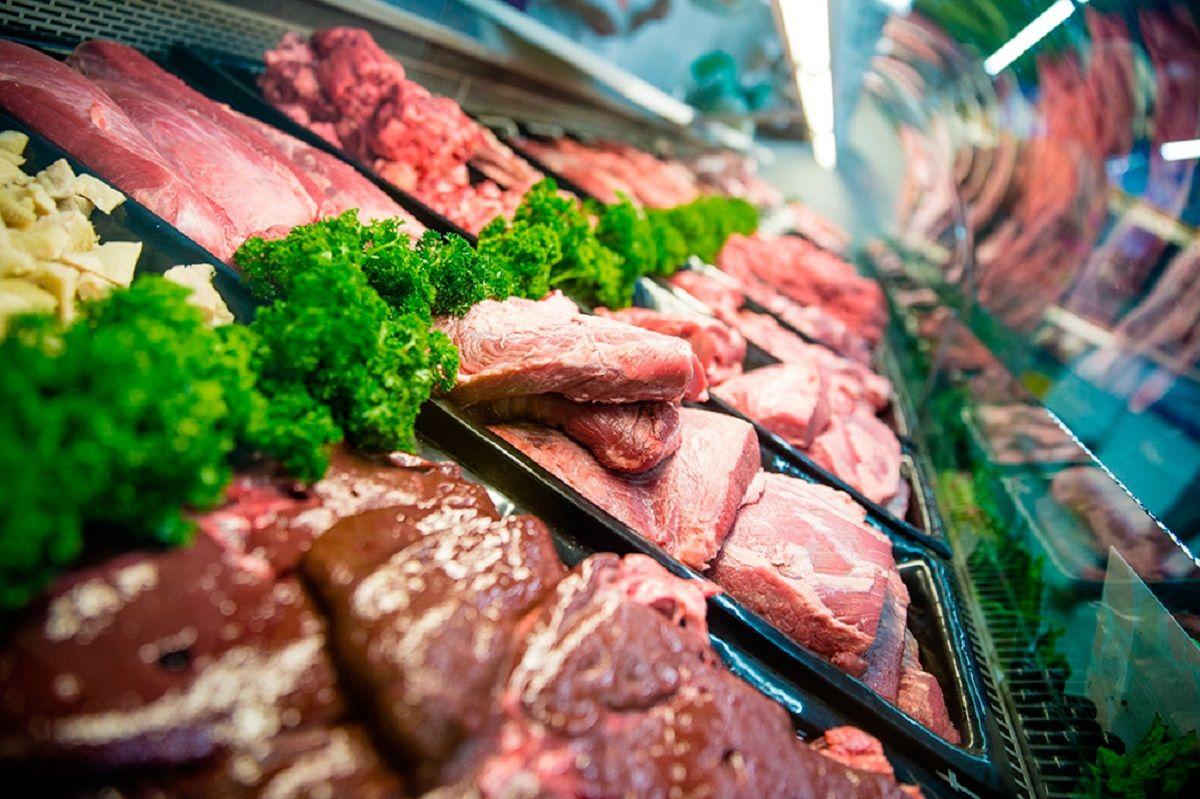 Paran los frigoríficos en todo el país y este viernes podría faltar carne en los supermercados