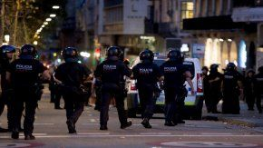 tras el atentado en barcelona, abatieron a cinco terroristas en un pueblo catalan