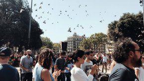 Miles de personas se concentraron en la Plaza de Cataluña