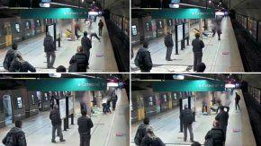 video: la pelea entre dos vendedores ambulantes en el subte