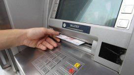 Detuvieron un pescador de tarjetas de débito en Palermo