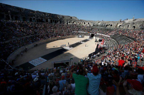 La Vuelta en la Arena de Nimes<br>