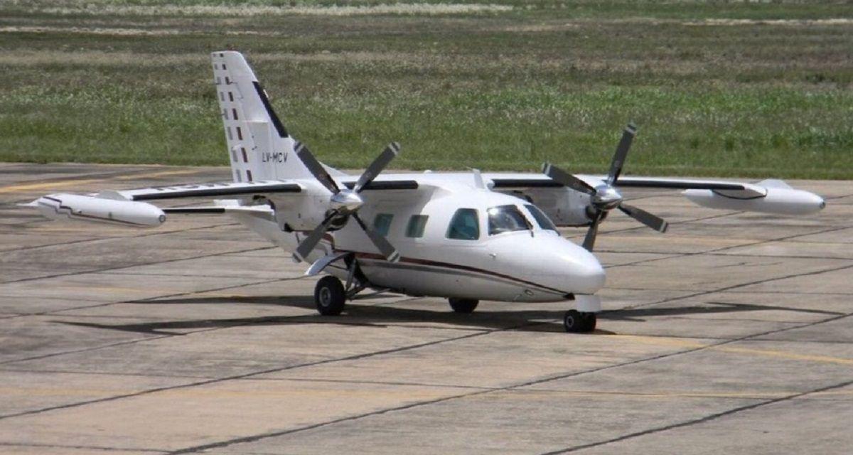 El avión fue encontrado semienterrado en un pantano