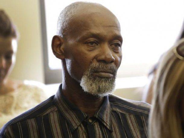 Carter presenció el juicio por la indemnización pero no quiso hacer su descargo