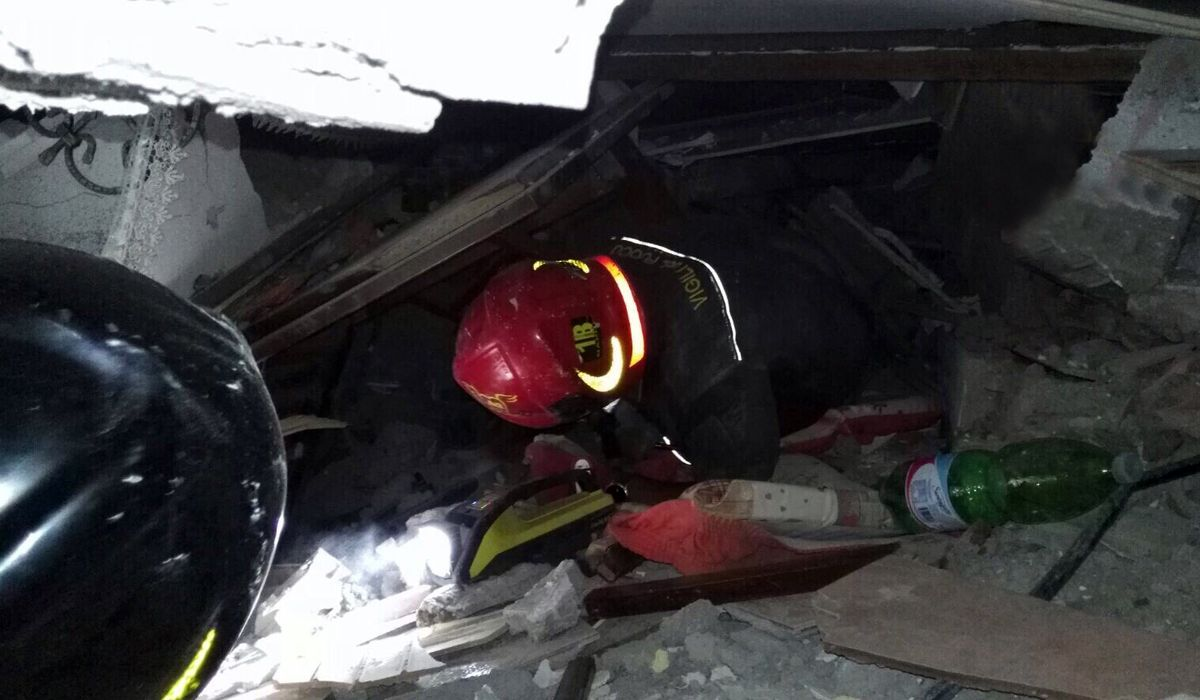Los bomberos rescataron a dos niños
