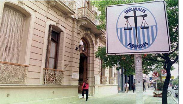 La justicia de Paraná le otorgó el beneficio al imputado .