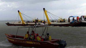 brasil: se hundio un barco y hay 7 muertos y mas de 40 desaparecidos