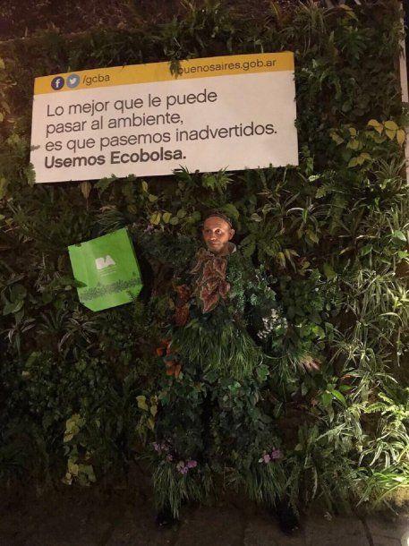 Sergio Bergman se disfrazó de árbol<br>
