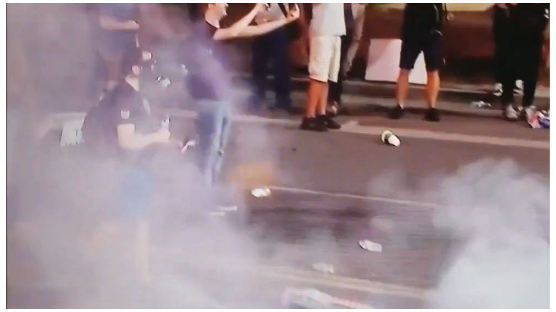 Un protestante recibe un disparo en los testículos