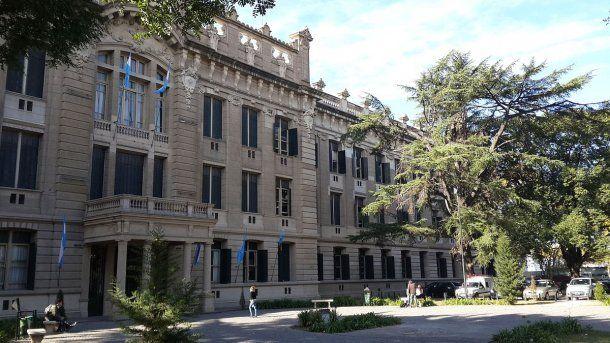 El Colegio Nacional de La Plata, donde se registró el suicidio de una alumna<br>