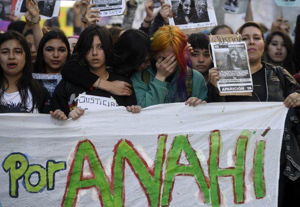 La marcha fue convocada por amigos y compañeros de Anahí<br>
